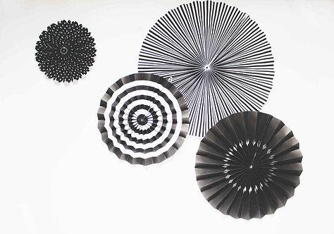 Faltrosetten, schwarz/weiß
