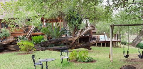 Zenzele River Lodge Garden