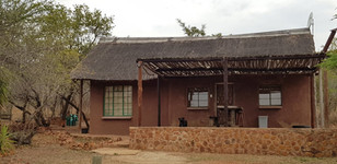 Zenzele River Lodge Self Catering Cottage