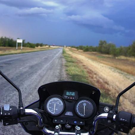 如何在芭堤雅租一辆摩托车