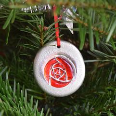 'Scottish Rose' pewter ornament