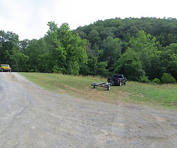 Photo of the parking area at Earl's Hollow access to the Powell River in Tennessee