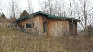 Exterior of Blue Heron Cabin at Well Being Retreat Center