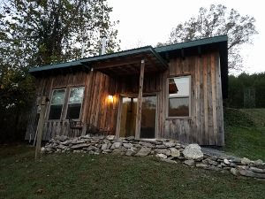 Exterior of Kingfisher Cabin at Well Being Retreat Center