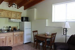 Kitchenette and dining table in Blue Heron Cabin