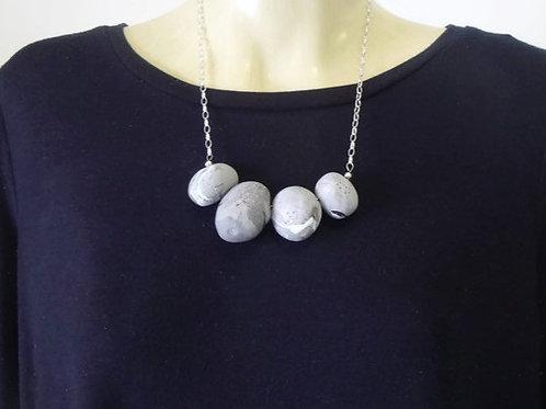 Pebble Necklace no.7