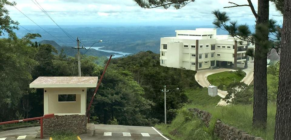 Entrada Horizonte Community.jpg