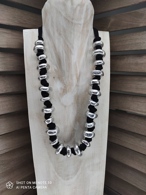 Collier 33