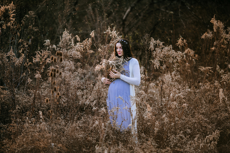 Winter maternity session || Hamilton, OH