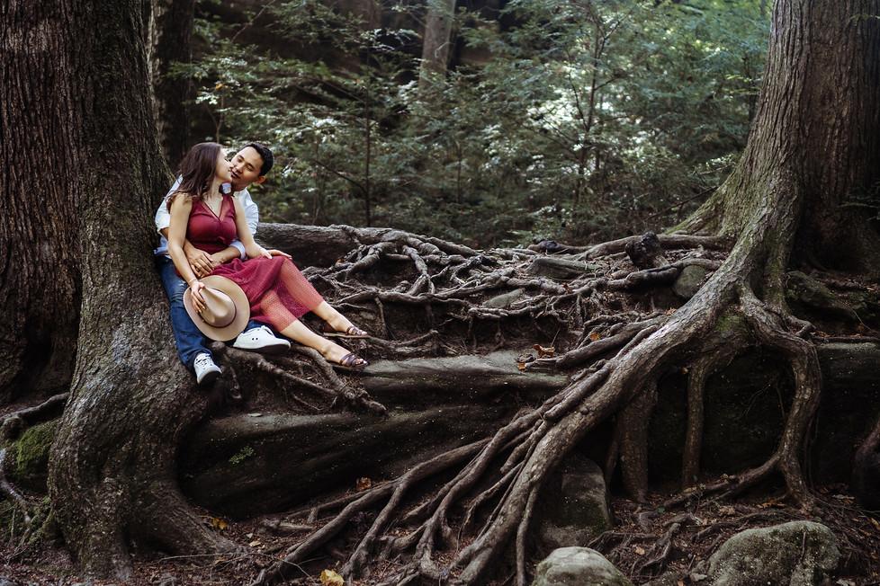 Miras + Dilyara || Engagement session, Hocking Hills, Old Man's Cave