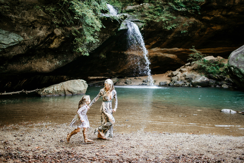 Mommy and me || Hocking Hills, Logan, Ohio