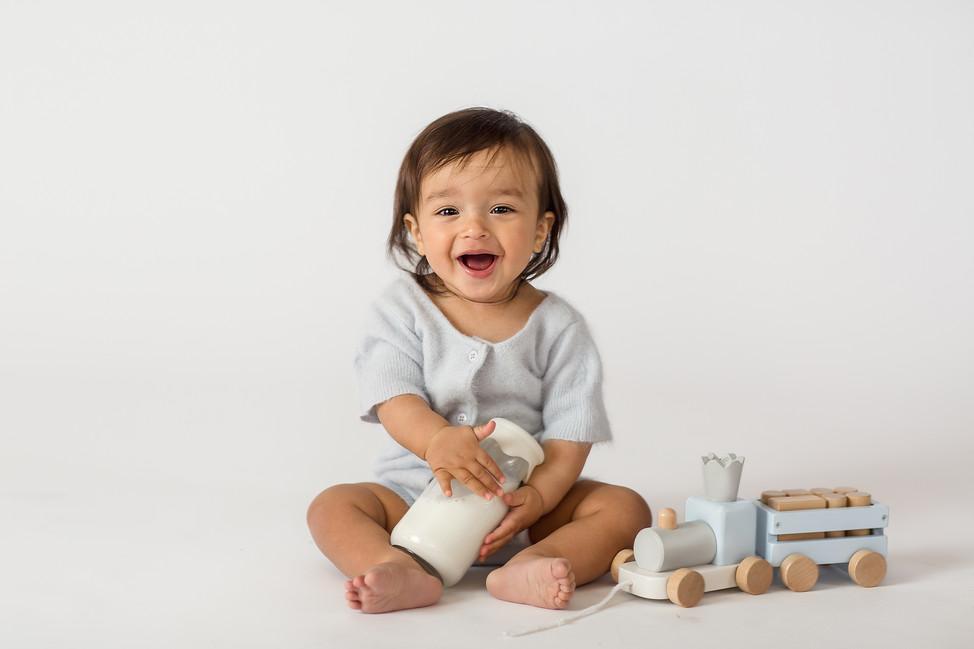 Baby Oliver    Milestone session