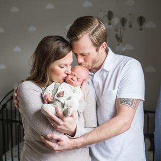 Cincinnati lifestyle newborn photographer