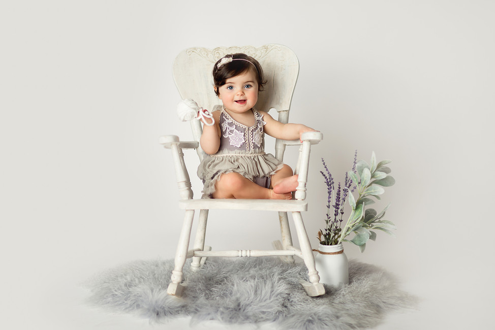 Baby Charlotte    9 months Milestone Session