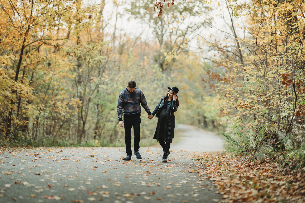 The baby is coming! || Maternity session in Sharon Woods, Cincinnati