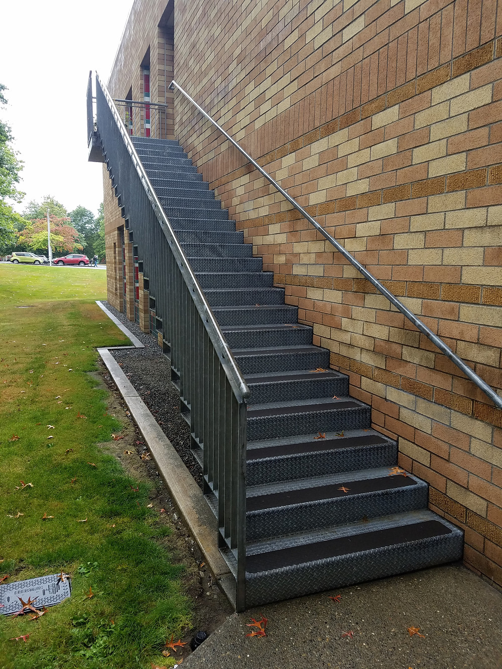 Staircase beside Kaiser Permanente clinic