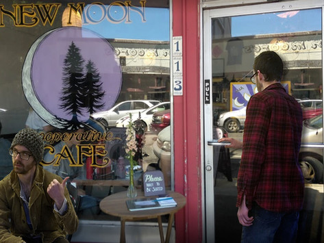 Rookie Mistake: This Idiot Just Entered New Moon Cafe w/o Signing in Outside