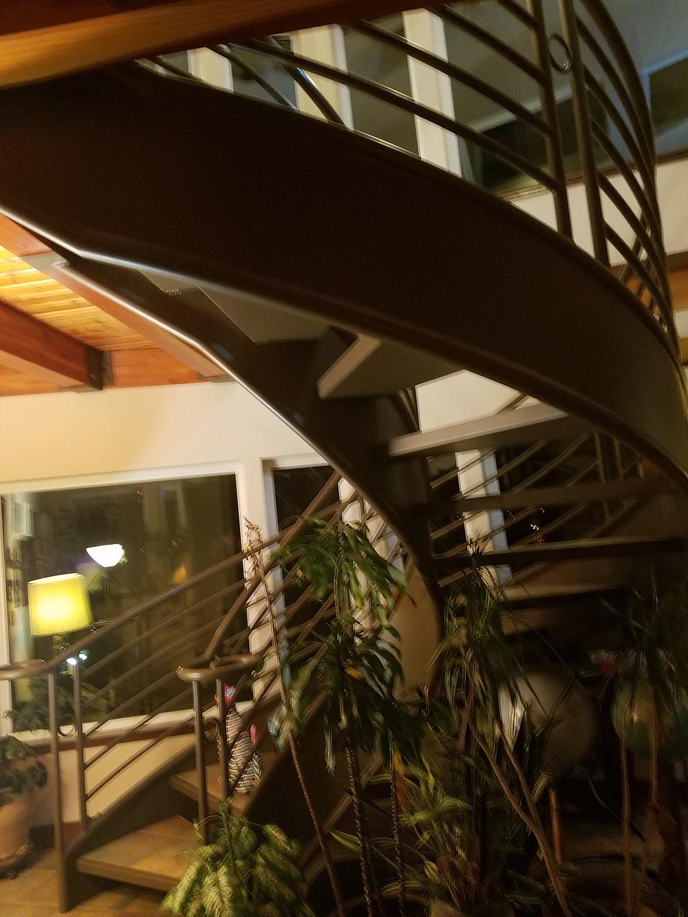 Twisty stairwell