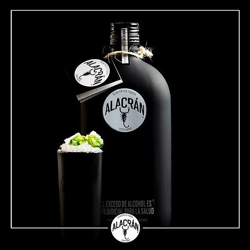Tequila Alacran schwarze Flasche Bild 1