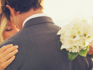4 Ways to Implement Social Media Into Your Wedding
