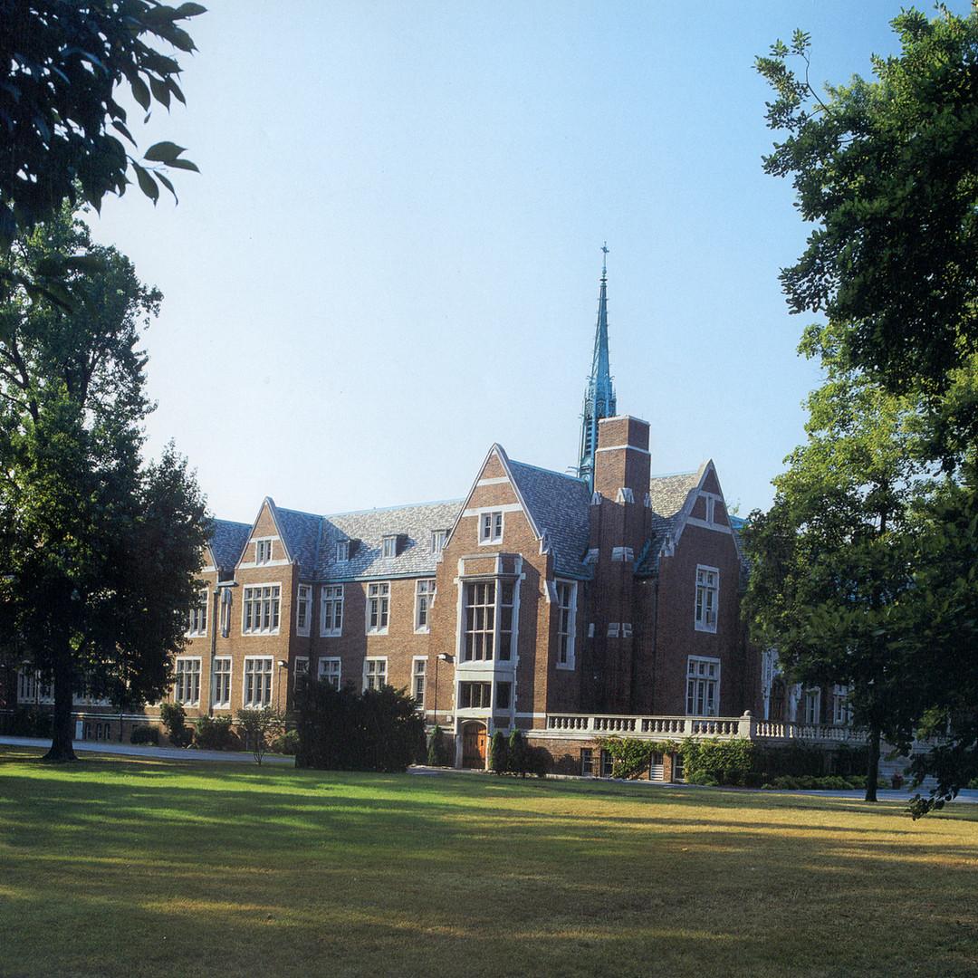 Grosse Pointe Academy
