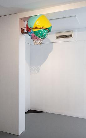 Tennisball-i-takrenna.jpg