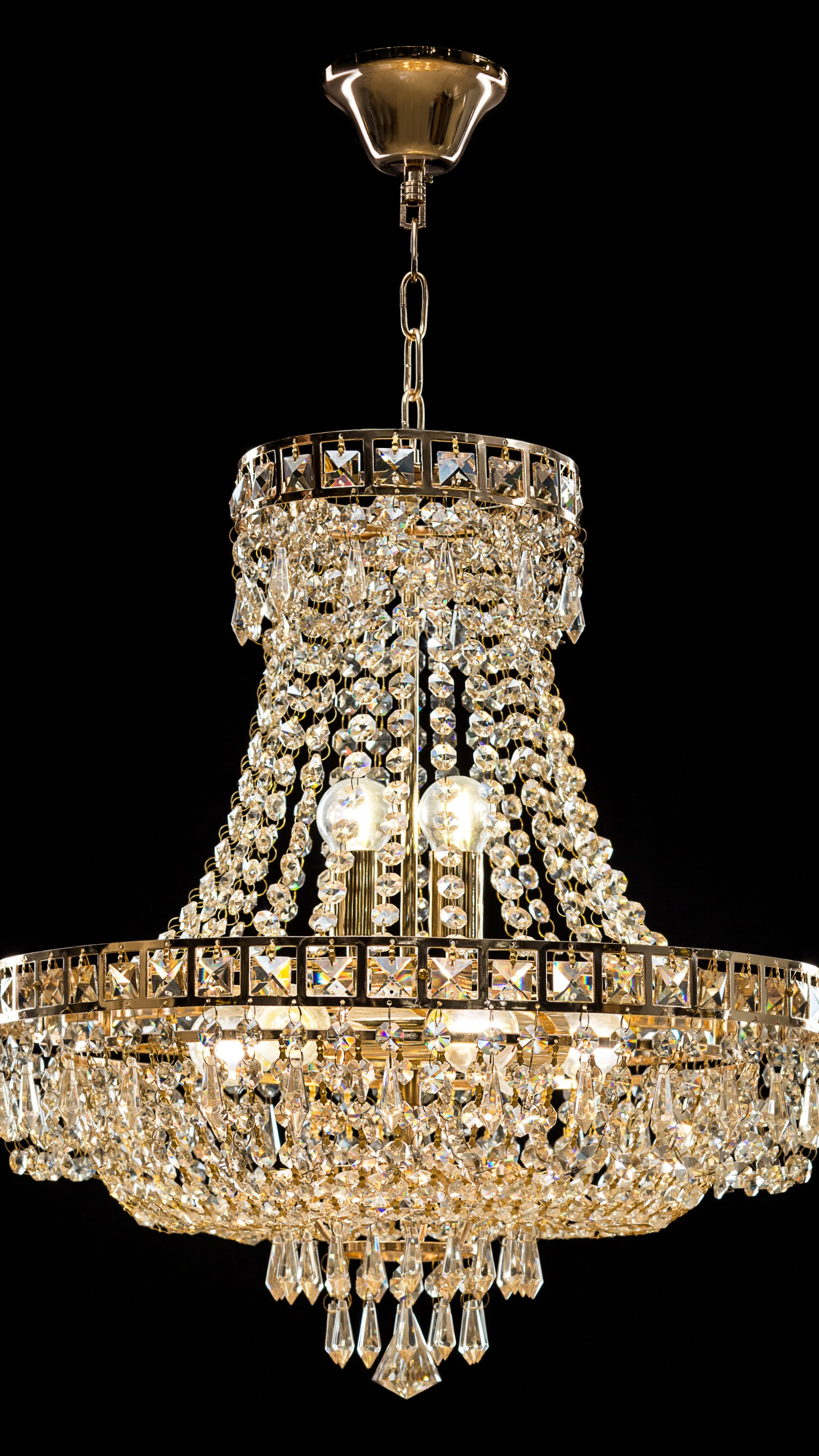 RESIDENTIAL/CHANDELIERS-LAMPS/CLEANING