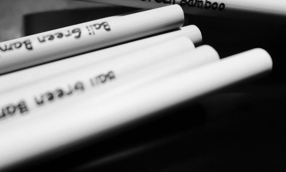 Pochon de 8 pailles en Bambou gravées au nom que vous souhaitez !! Customizable