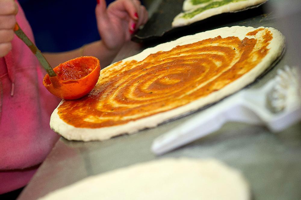 מכינים פיצה בקאסה דל פפה - עכשיו גם להזמנה באינטרנט