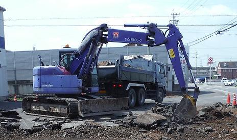 ゼアー 梅田商店 岐南町 舗装工事 駐車場 既設舗装版撤去