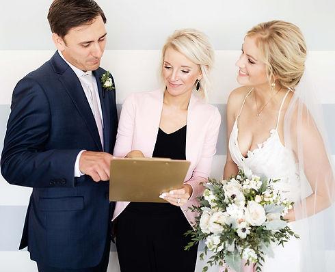 WeddingVeil_WeddingDay_Bride2-2048x1662.