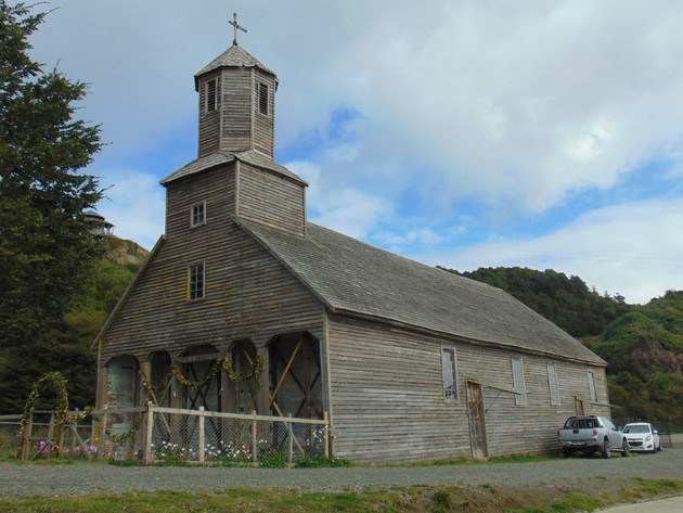 Church of Santiago Apostol de Detif