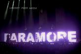 paramore-monumentour-1.jpg