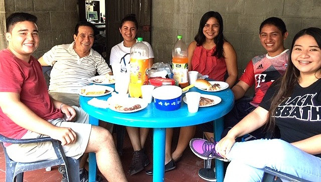 Otra Fe students from Metapan enjoying  conversation and breakfast  with Pastor Ramon Ramirez.  ​  June 2019