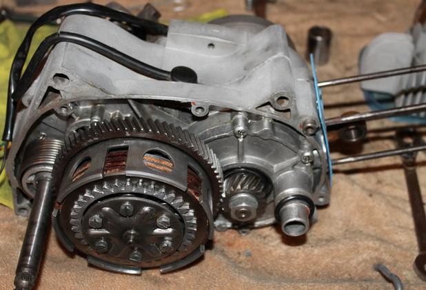 1970-gemini-sst-motor-bikes-engine-cleaning-and-rebuilding