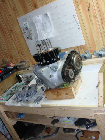 1973-triumph-bonneville-motorcycle-engine-cleaning-and-rebuilding