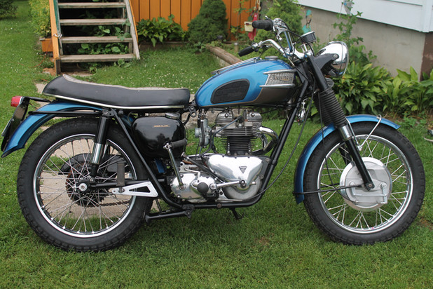 1960-triumph-trophy-tr6-motorcycle