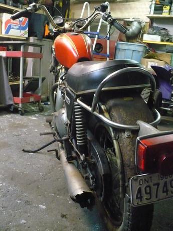 1973-triumph-bonneville-motorcycle-before-restoration