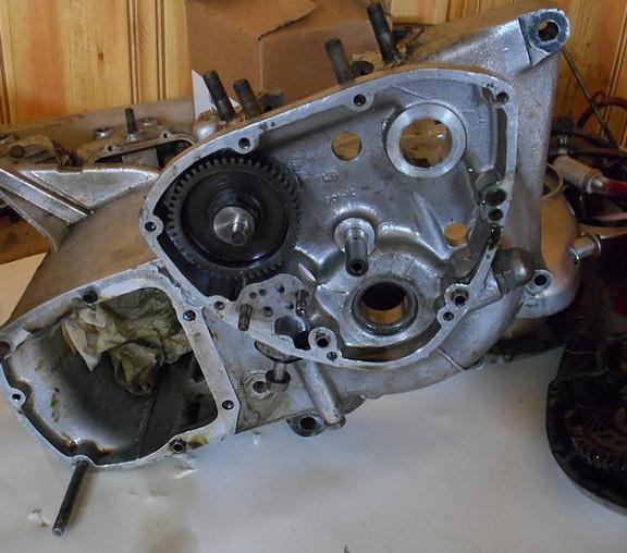1968_triumph_tiger_bobber_enginepj4.jpg