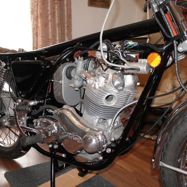 1973 850 Norton Commando motorcycle rebu
