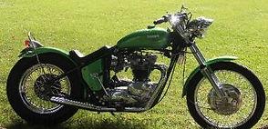 1971_Triumph_Bonneville_Bobber_awards-40