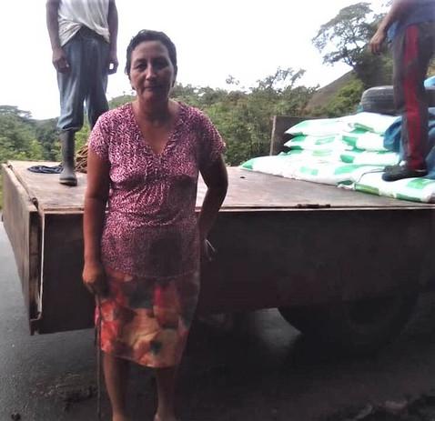 Fertilizer delivery in Monte el Padre, M