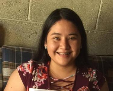 Alejandra, Otra Fe sponsored student studying medicine in university
