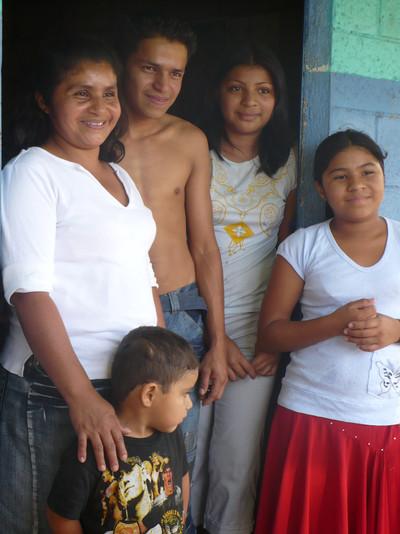 Salvadoran Family 2009
