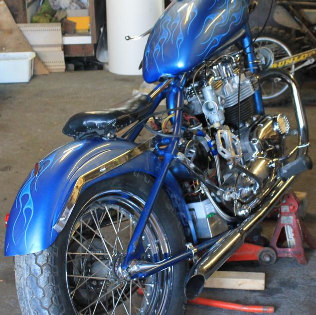 Custom 650 Triumph Chopper motorcycle be