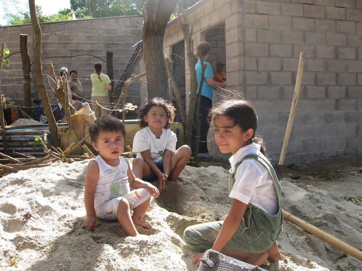 Salvadoran Children 2009