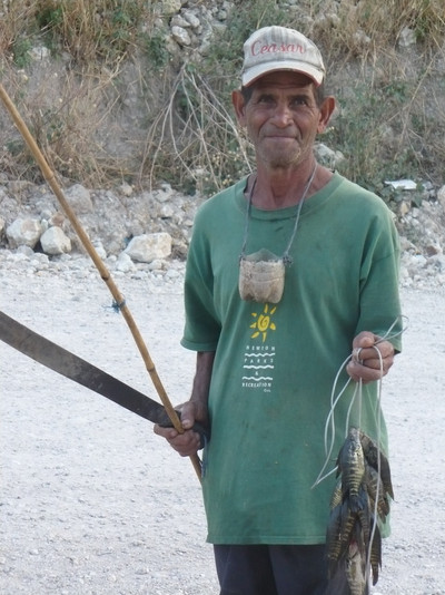 Salvadoran with his Catch 2009