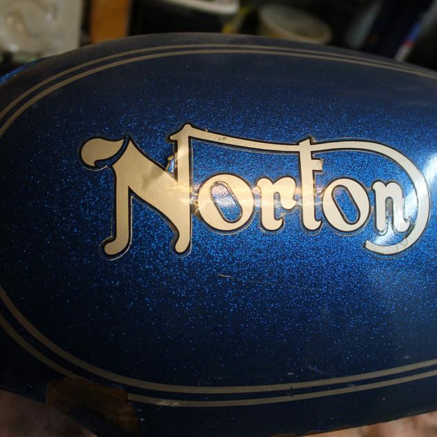1973 850 Norton Commando motorcycle pain