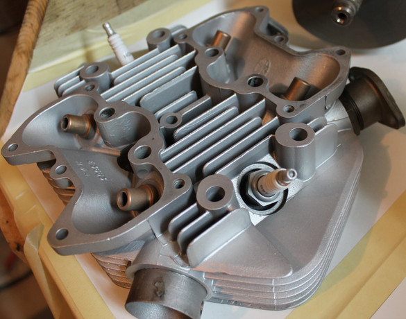 1968-650-triumph-bonneville-motorcycle-engine-cleaning-and-rebuilding