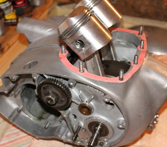 1970_650_bsa_firebird_don_engine4.jpg